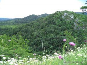 """Екопътека """"Веселиново"""" - страхотна панорама от скалите в близост до водопад Скока"""