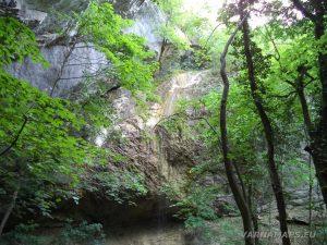 """Екопътека """"Веселиново"""" - водопад Малкия Скок - общ изглед"""