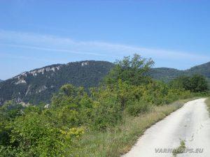 """Край язовир """"Цонево"""" - красивата гледка по пътя в началото на маршрута"""