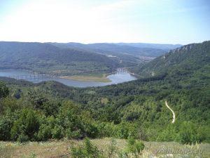 """Край язовир """"Цонево"""" - панорамен изглед от хълма """"Града"""" към язовир """"Цонево"""""""