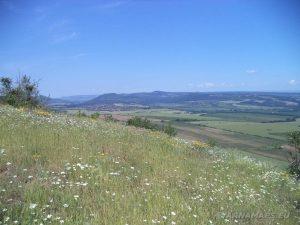 """Край язовир """"Цонево"""" - панорамен изглед от хълма """"Града"""" към село Комунари"""