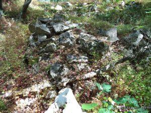 """Край язовир """"Цонево"""" - останки от крепостната стена на """"Овчага"""""""