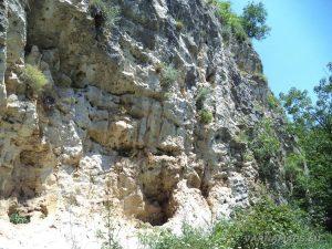 """Край язовир """"Цонево"""" - интересните скали на катерачния обект """"Манастира"""""""