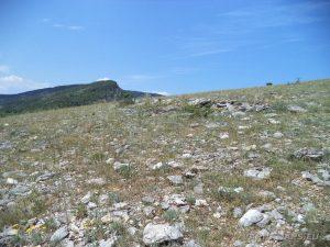 Чудните скали - открития участък на хълма по маршрута нагоре