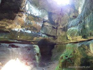 Скалните манастири край с. Войново - най-голямата естествена пещера - скална галерия
