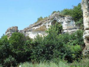 Скалните манастири край с. Войново - ритулната ниша погледната отдолу